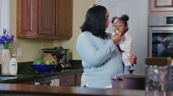 Aveeno Skin Relief TV Spot, 'A Moment for Me' Featuring Angela Davis - Thumbnail 2