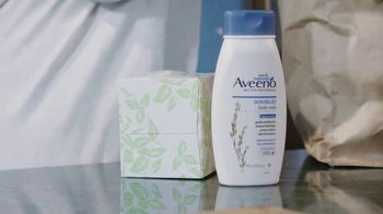 Aveeno Skin Relief TV Spot, 'A Moment for Me' Featuring Angela Davis - Thumbnail 3