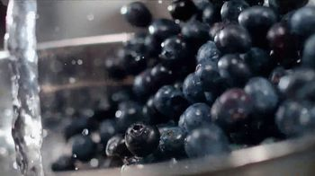 IHOP TV Spot, 'Juicy, Fresh Fruit at IHOP' - Thumbnail 5