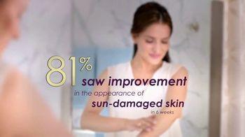 Gold Bond Dark Spot Minimizing Body Cream TV Spot, 'Years in the Sun' - Thumbnail 7