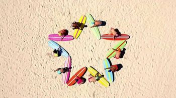 Macy's Summer Sale TV Spot, 'Extra Savings' Song by Katrina & The Waves - Thumbnail 7