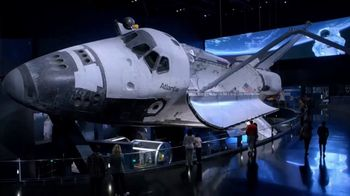 Kennedy Space Center Visitor Complex TV Spot, 'Extraordinary Machine' - Thumbnail 5