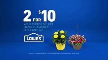 Lowe's TV Spot, 'Gardening Gene: Hanging Baskets or Planters' - Thumbnail 8