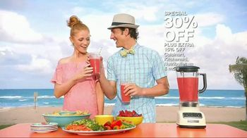 Macy's Memorial Day Sale TV Spot, 'Splash' Song by Katrina & The Waves - Thumbnail 8