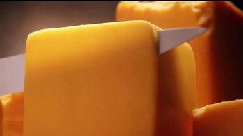 Jack in the Box BBQ Bacon Cheeseburger Combo TV Spot, 'Camioneta' [Spanish] - Thumbnail 4