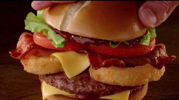 Jack in the Box BBQ Bacon Cheeseburger Combo TV Spot, 'Camioneta' [Spanish] - Thumbnail 6