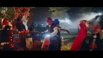 Party City TV Spot, 'Oh, It's On: Wonder Women' - Thumbnail 6