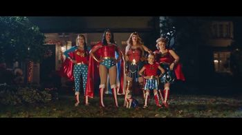 Party City TV Spot, 'Oh, It's On: Wonder Women' - Thumbnail 7