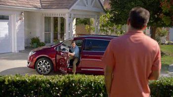 2017 Chrysler Pacifica TV Spot, 'Envy' [T1] - Thumbnail 2