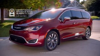 2017 Chrysler Pacifica TV Spot, 'Envy' [T1] - Thumbnail 8