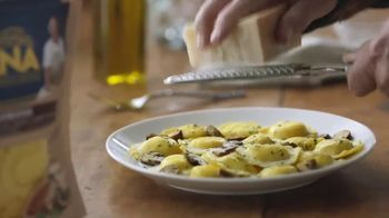 Giovanni Rana Mushroom Ravioli TV Spot, 'Rodeo' - Thumbnail 2