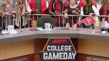 Pizza Hut Rewards TV Spot, 'ESPN: Free Pizza Faster' Featuring Maria Taylor - Thumbnail 6