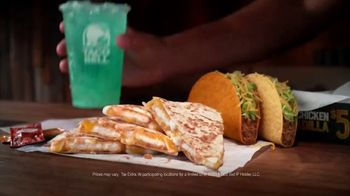 Taco Bell Crispy Chicken Quesadilla Box TV Spot, 'A More Perfect Union' - Thumbnail 8