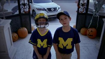 Nissan TV Spot, 'Heisman House: Trick or Treat' Featuring Eddie George [T1] - 3 commercial airings