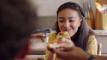 Pizza Hut TV Spot, 'Delivery Pouch' - Thumbnail 8