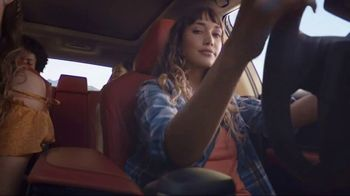 2018 Toyota Camry LE TV Spot, 'Wild' Song by Suzi Quatro - Thumbnail 5