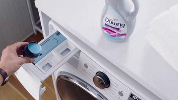 Ultra Downy TV Spot, 'A medio lavar: oficina' [Spanish] - Thumbnail 7