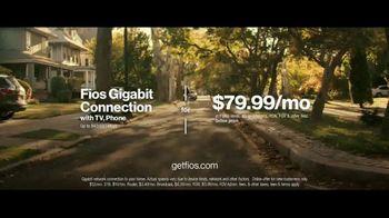 Fios Gigabit Connection TV Spot, 'Good Neighbor: 4K TV' Ft. Gaten Matarazzo - Thumbnail 10