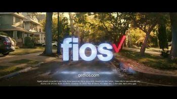 Fios Gigabit Connection TV Spot, 'Good Neighbor: 4K TV' Ft. Gaten Matarazzo - Thumbnail 8