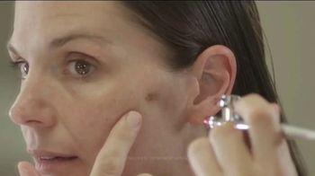 Luminess Air 20th Anniversary Sale TV Spot, 'Erase Flaws Like Magic' - Thumbnail 1
