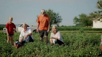 Red Gold Tomatoes TV Spot, 'Red Gold Family and 50 Farm Families' - Thumbnail 5