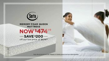 Mattress Firm Semi-Annual Sale TV Spot, 'Favorites on Sale: Memory Foam' - Thumbnail 4