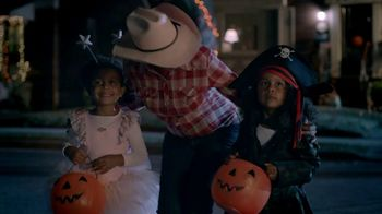 KitKat TV Spot, 'Halloween Break' - Thumbnail 2