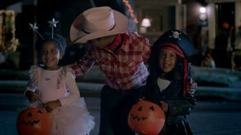 KitKat TV Spot, 'Halloween Break' - Thumbnail 3