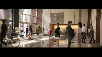 Wells Fargo TV Spot, 'Elevator' [Spanish] - Thumbnail 1