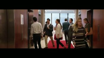 Wells Fargo TV Spot, 'Elevator' [Spanish] - Thumbnail 2