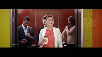 Wells Fargo TV Spot, 'Elevator' [Spanish] - Thumbnail 8