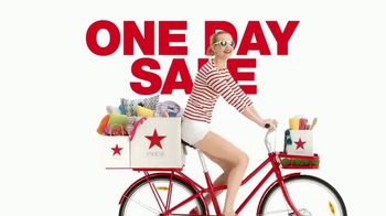 Macy's One Day Sale TV Spot, 'Kitchen Electrics, Towels and Threads'' - Thumbnail 1