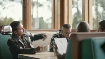T-Mobile TV Spot, 'Buenos días' con J Balvin [Spanish] - Thumbnail 4