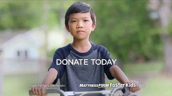 Mattress Firm Foster Kids TV Spot, 'School Supplies Drive' Ft. Simone Biles - Thumbnail 6