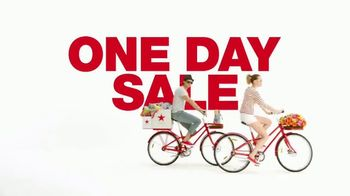 Macy's One Day Sale TV Spot, 'Apparel, Jewelry and Suits' - Thumbnail 2