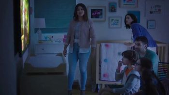 AT&T Unlimited Plus TV Spot, 'Habitaciones' con Gina Rodriguez [Spanish] - Thumbnail 3