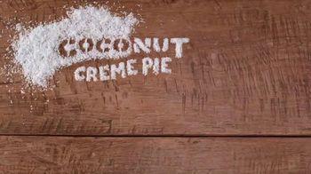 Dunkin' Donuts TV Spot, 'El verano del café' [Spanish] - Thumbnail 6