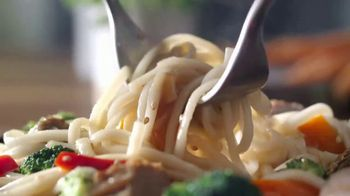 Lean Cuisine Marketplace TV Spot, 'Phenomenal: Garlic Sesame Noodles' - Thumbnail 6