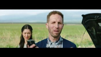 Verizon TV Spot, 'Roadside Rescue: Google Pixel' Feat. Thomas Middleditch - Thumbnail 3