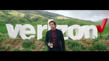 Verizon TV Spot, 'Roadside Rescue: Google Pixel' Feat. Thomas Middleditch - Thumbnail 4