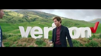 Verizon TV Spot, 'Roadside Rescue: Google Pixel' Feat. Thomas Middleditch - Thumbnail 5
