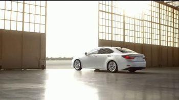 2017 Lexus ES 350 TV Spot, 'Detalles' [Spanish] [T1] - Thumbnail 10