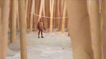 GEICO TV Spot, 'Fleas Playing Badminton' - Thumbnail 4