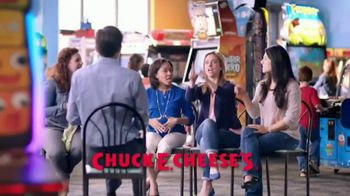 Chuck E. Cheese's TV Spot, 'Mom Friendly: Stuffed Crust Pizza' - Thumbnail 10