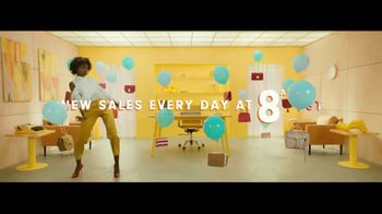 HauteLook TV Spot, 'Every Morning' - Thumbnail 8