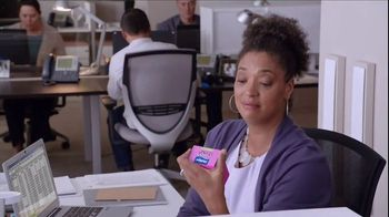 Phillips Colon Health Probiotic Caps TV Spot, 'Cubicle' - Thumbnail 7