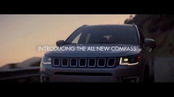 Jeep Compass TV Spot, 'VIP Suite' [T1] - Thumbnail 3