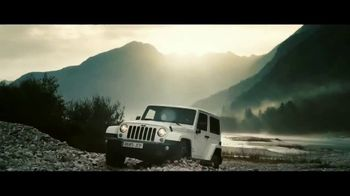 Jeep TV Spot, 'USO: Our Freedom Waves On' Song by Johnny Cash [T1] - Thumbnail 4