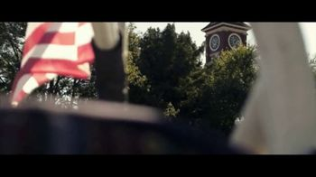Jeep TV Spot, 'USO: Our Freedom Waves On' Song by Johnny Cash [T1] - Thumbnail 7