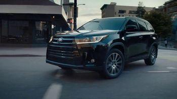 Toyota TV Spot, 'Pep-Talks' - Thumbnail 6